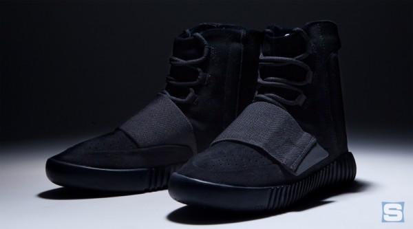 blackout-yeezy-750-boosts-01(1)