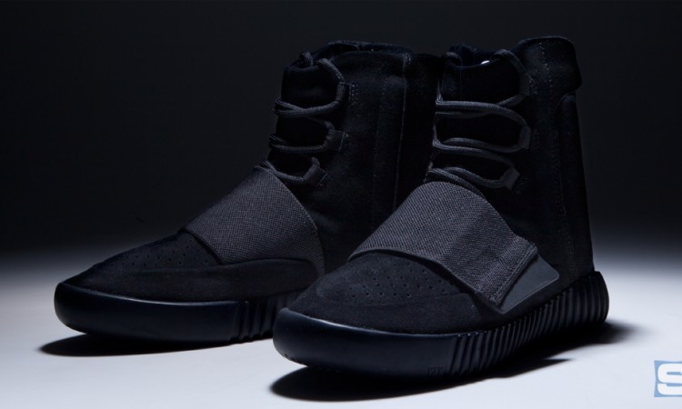 blackout-yeezy-750-boosts-01(1)