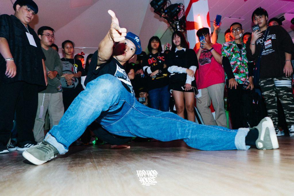 พบการ workshop และ party รวมถึง battle show ได้ใน Hiphop House Vol.2